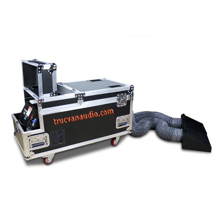 máy phun khói lạnh 4000 w 2 vòi sử dụng dầu khói và tourbo nước.